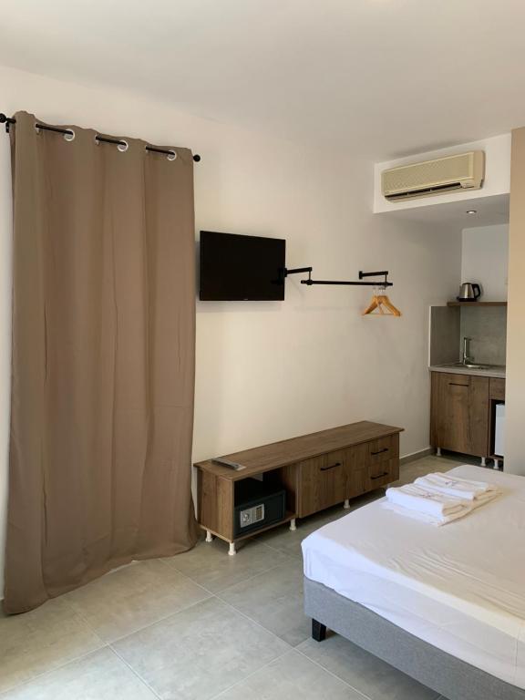 TV tai viihdekeskus majoituspaikassa Argiro Village