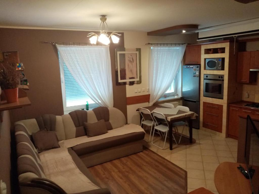 A seating area at Apartament na Kawiarach
