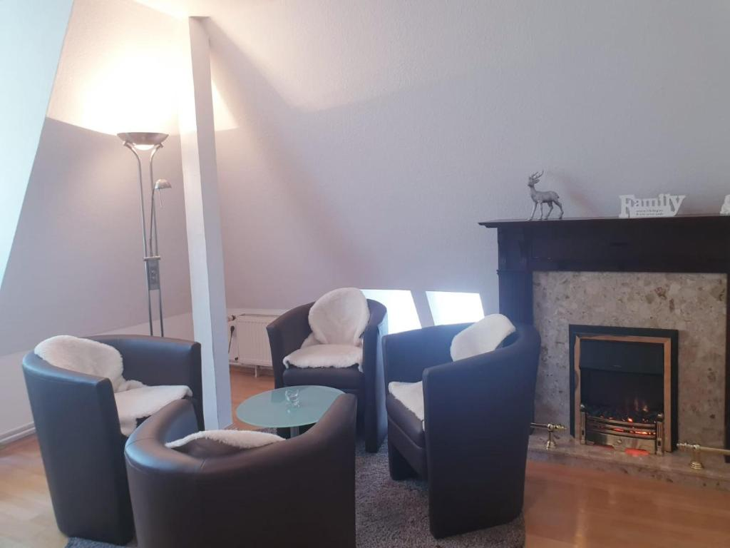 A seating area at Apartments Suzy