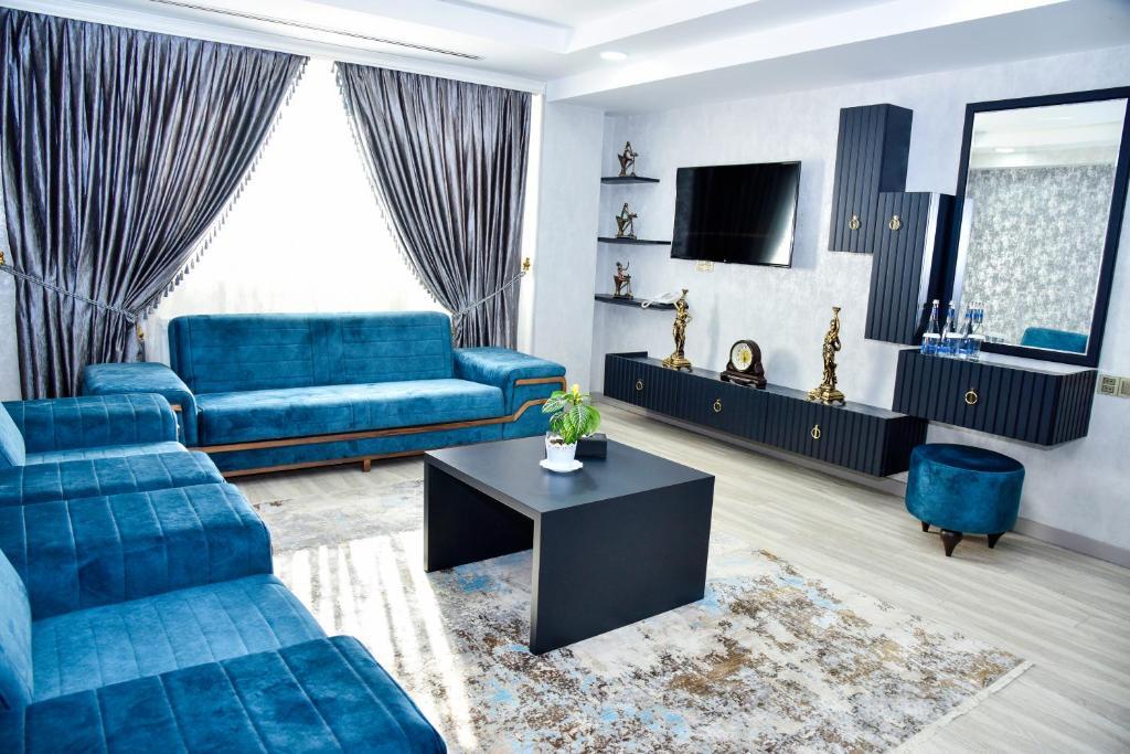 Uma área de estar em Supreme Hotel Baku