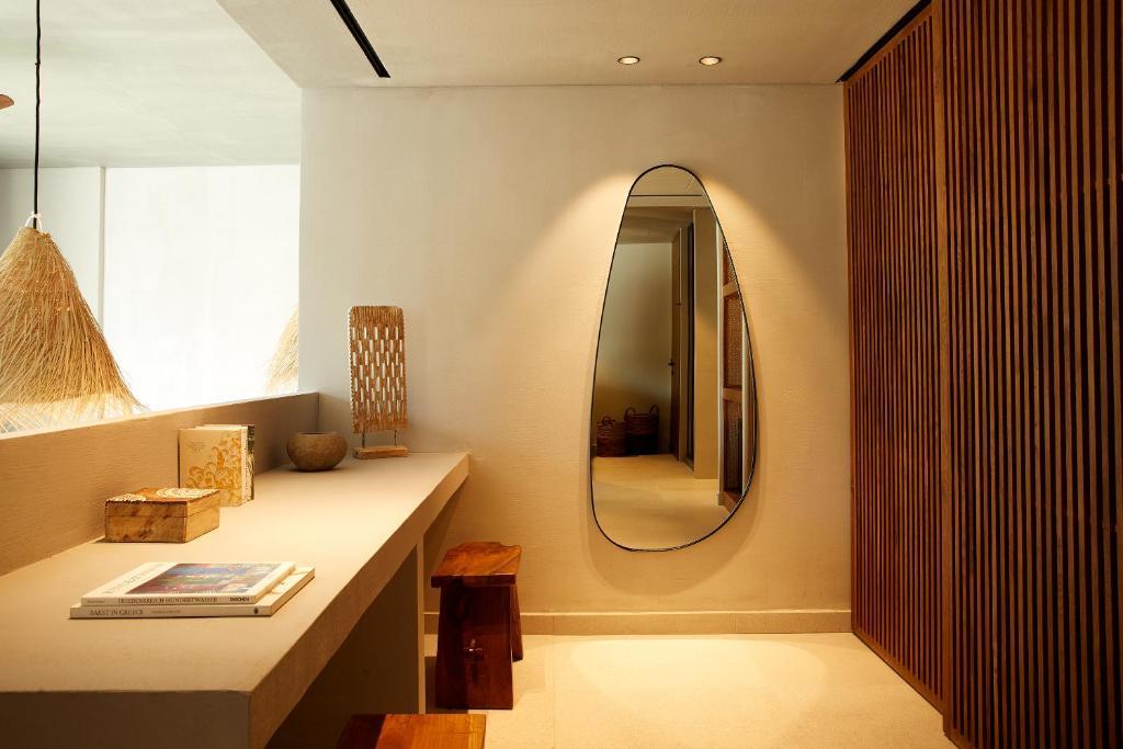 Ein Badezimmer in der Unterkunft The Syntopia Hotel