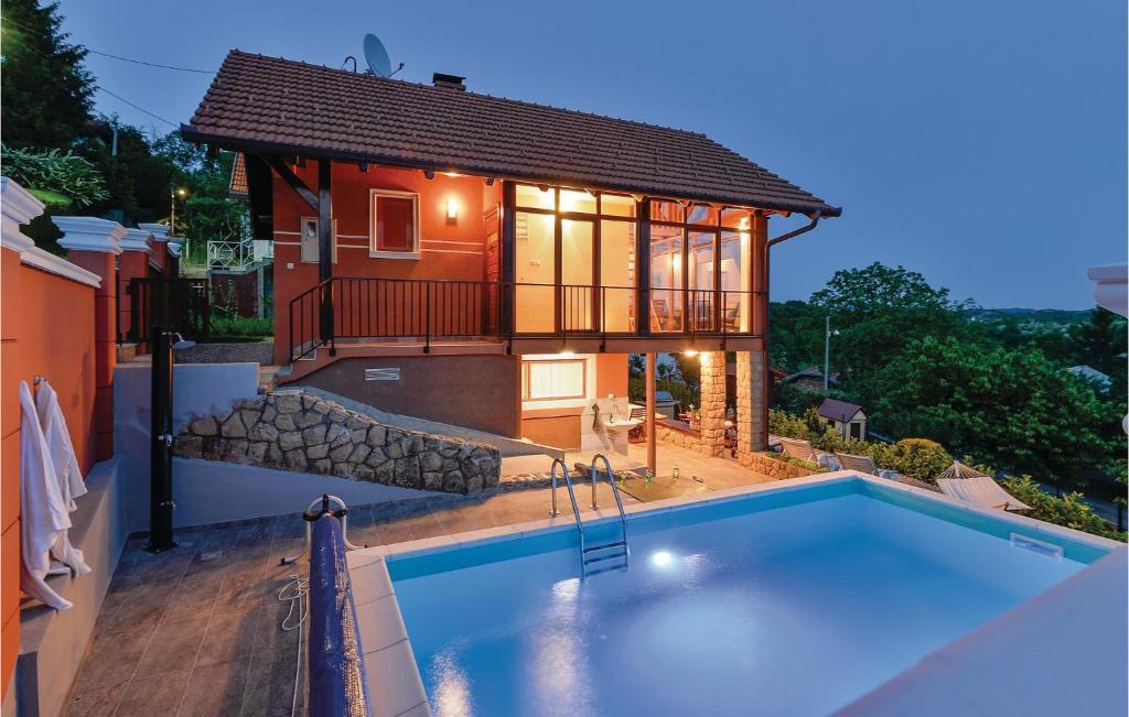 Bazén v ubytování One-Bedroom Holiday Home in Toplicica nebo v jeho okolí