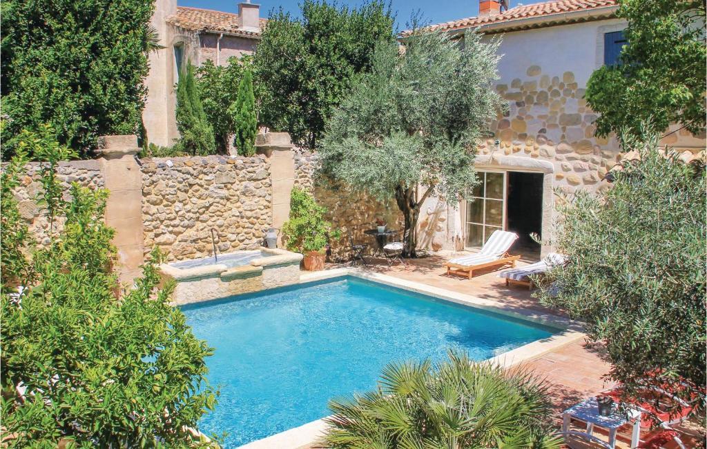 Der Swimmingpool an oder in der Nähe von Holiday home Rue de la Serre
