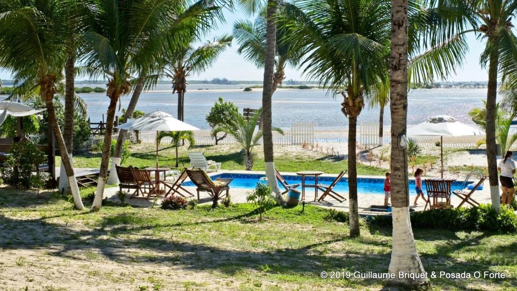 A piscina localizada em Hotel Resort Eco O Forte ou nos arredores