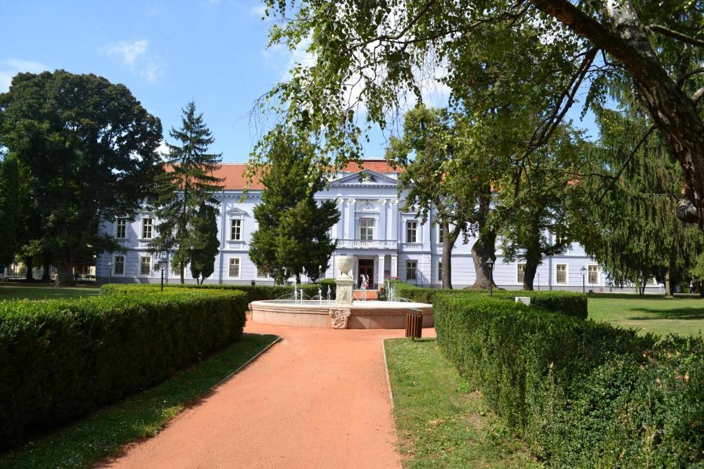 Hotel Kastiel Mojmirovce Mojmirovce, Slovakia