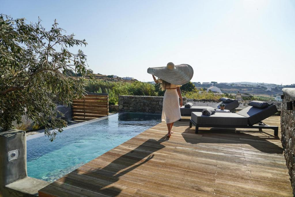 Guests staying at Ikies of Mykonos