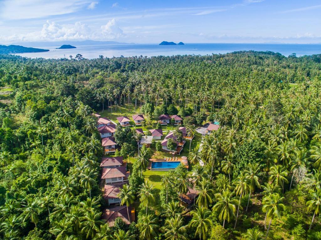 A bird's-eye view of Phangan Akuna