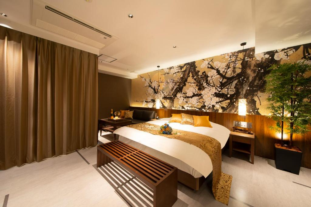 Hotel Tiger & Dragon (Adult Only)