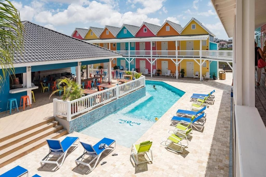 Het zwembad bij of vlak bij Bed & Bike Curacao - Jan Thiel