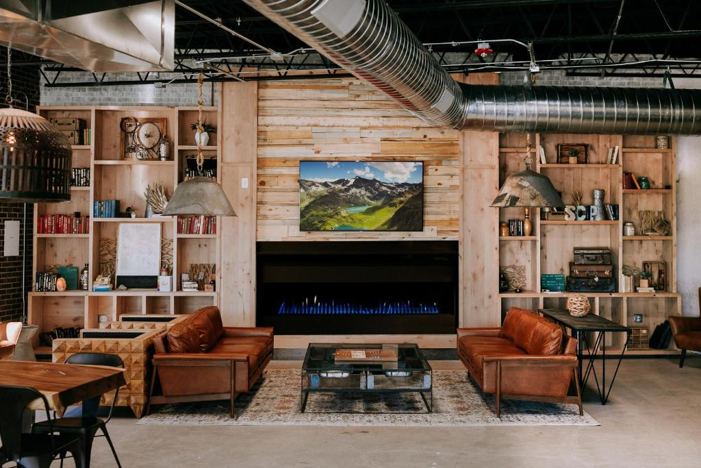 The lobby or reception area at SCP Hotel Colorado Springs