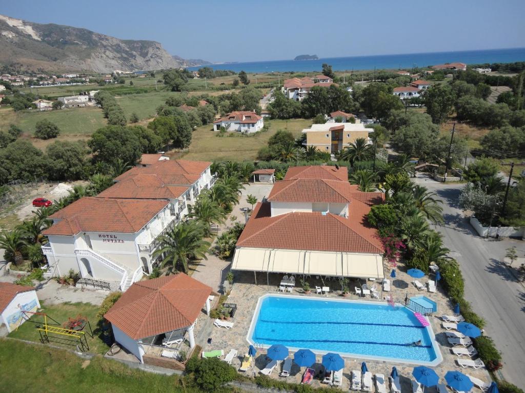 Een luchtfoto van Metaxa Hotel