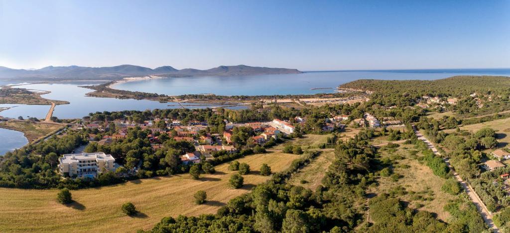 A bird's-eye view of Hotel Cala Dei Pini