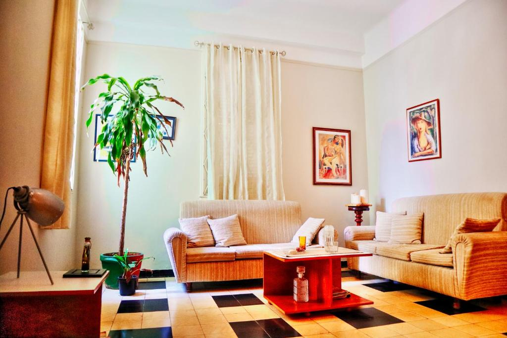A seating area at Havana´s Home 310