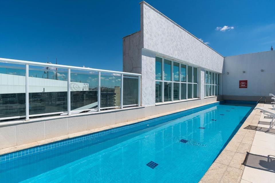 The swimming pool at or close to Apart Hotel Setor Hoteleiro Norte