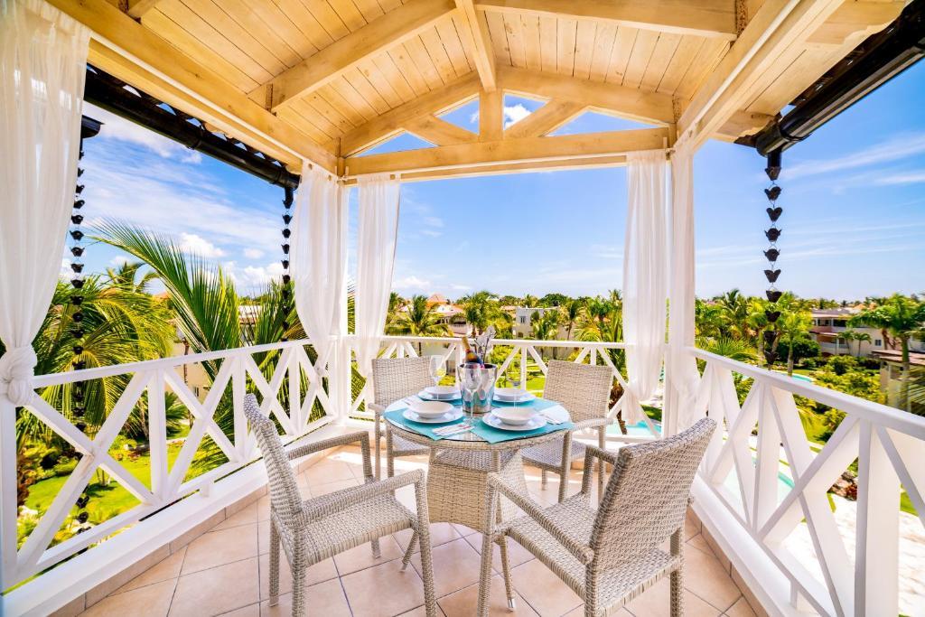 A balcony or terrace at Casa Caribe Appartamento Attico