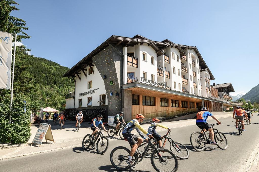 Biking at or in the surroundings of Funsport-, Bike- & Skihotelanlage Tauernhof