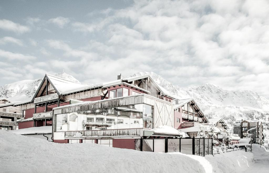 Hotel Rigele Royal Superior during the winter