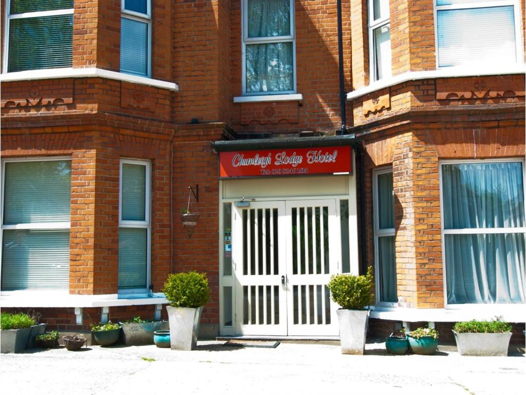 Chumleigh Lodge Hotel Ltd. - Laterooms