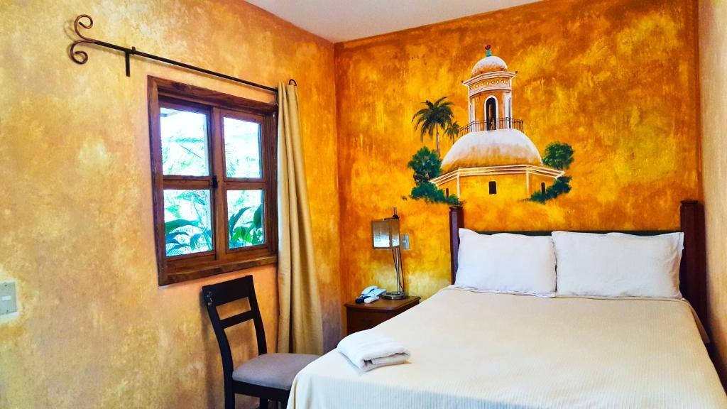 A room at the Hotel Rancho Argueta.