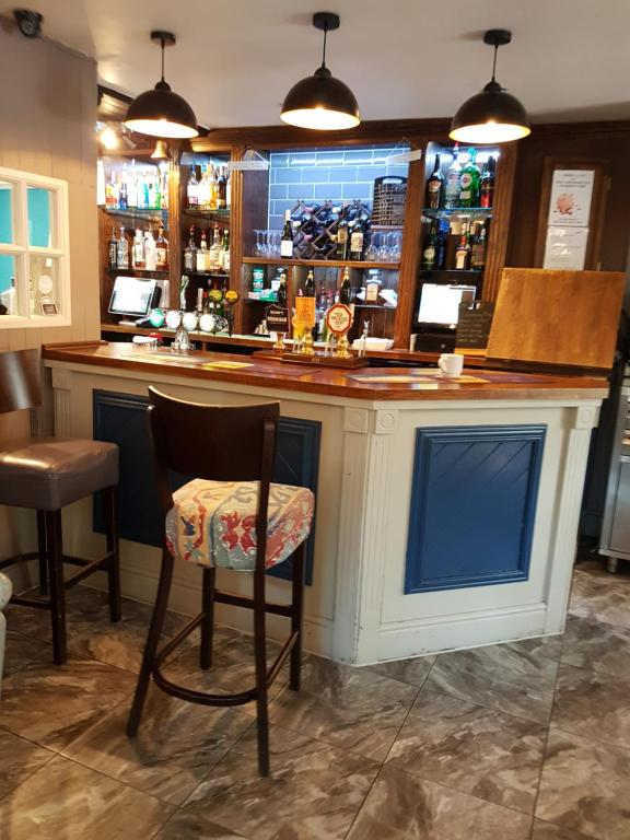 The lounge or bar area at The GAINSBOROUGH ARMS