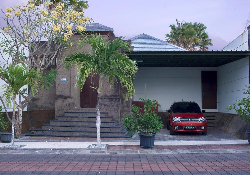 The building in which the villa is located