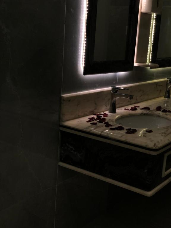 حمام في منتجع نورسـيـن