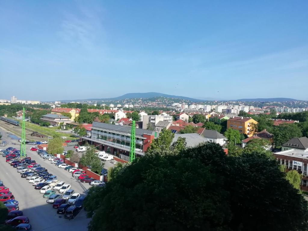 A bird's-eye view of Indóház Kishotel