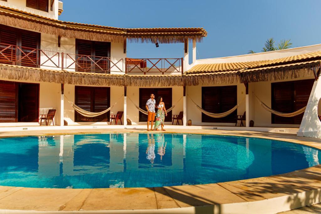 The swimming pool at or close to Pousada Porto Azul