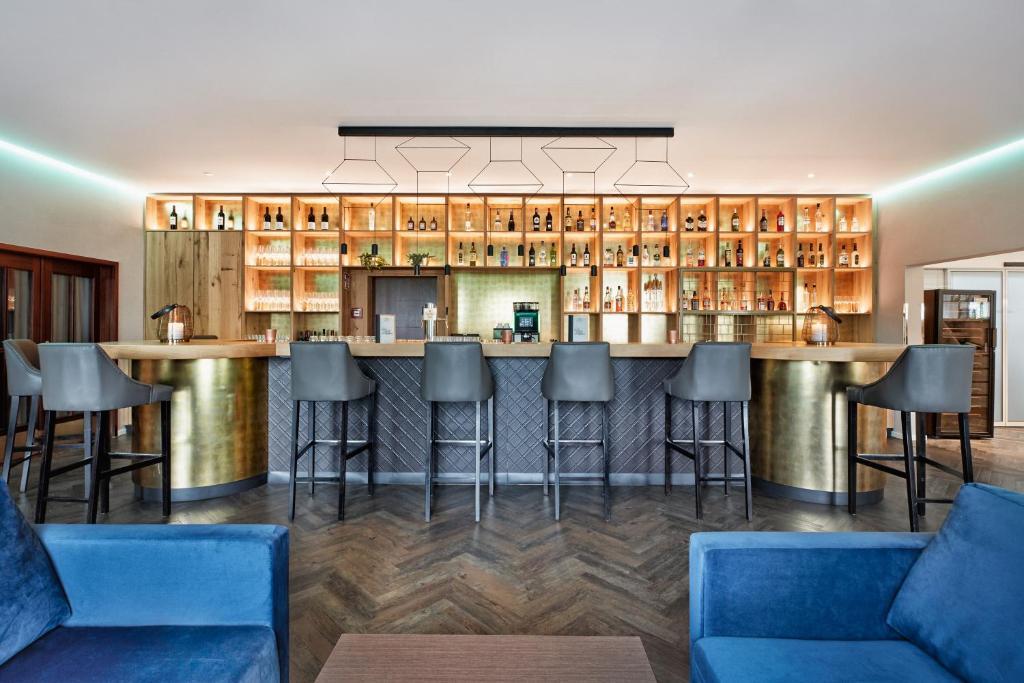 Лаундж или бар в H+ Hotel Frankfurt Airport West