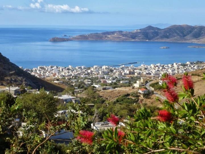 Άποψη από ψηλά του Makronas Apartments