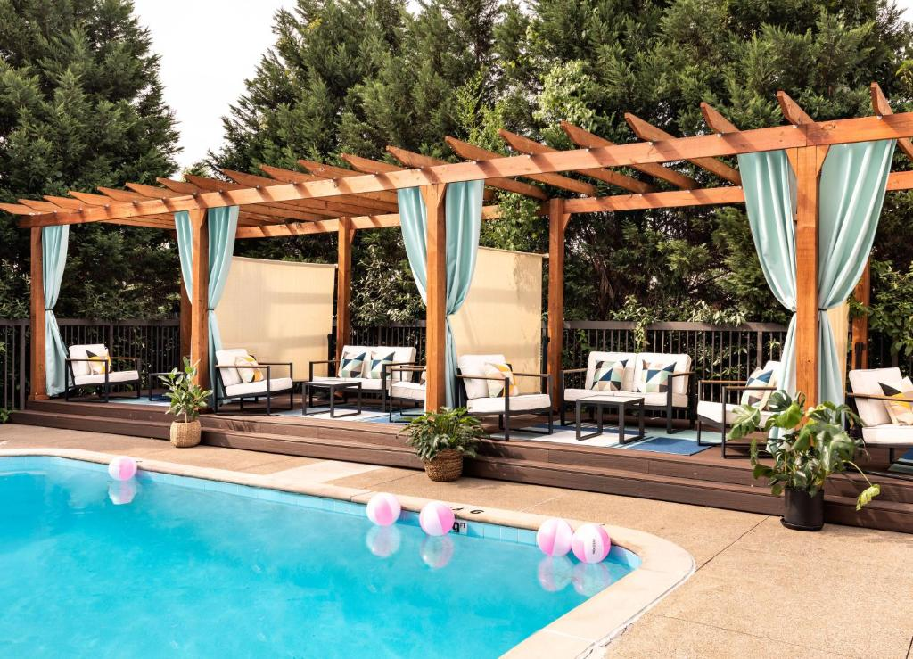 The swimming pool at or near Hotel Preston Nashville Airport