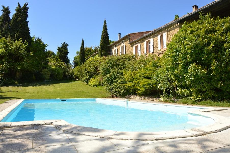 The swimming pool at or close to Pastel au Mas d'Escampette