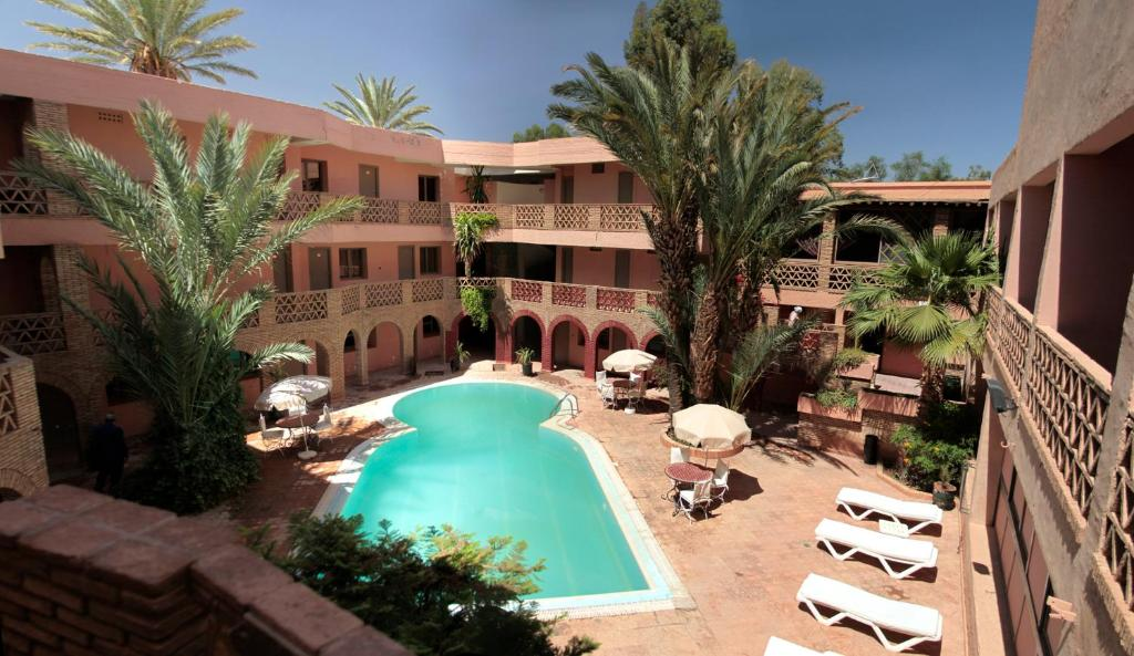 A view of the pool at Le Tichka Ouarzazate or nearby