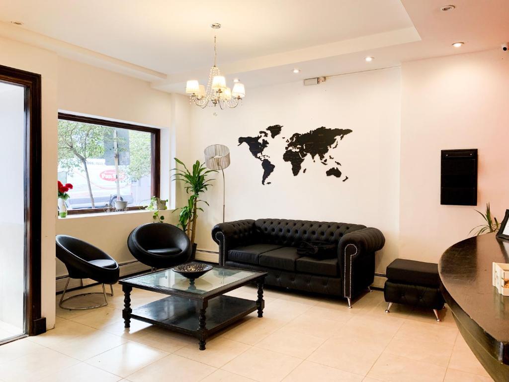 Un lugar para sentarse en Hotel Ramos Mejía