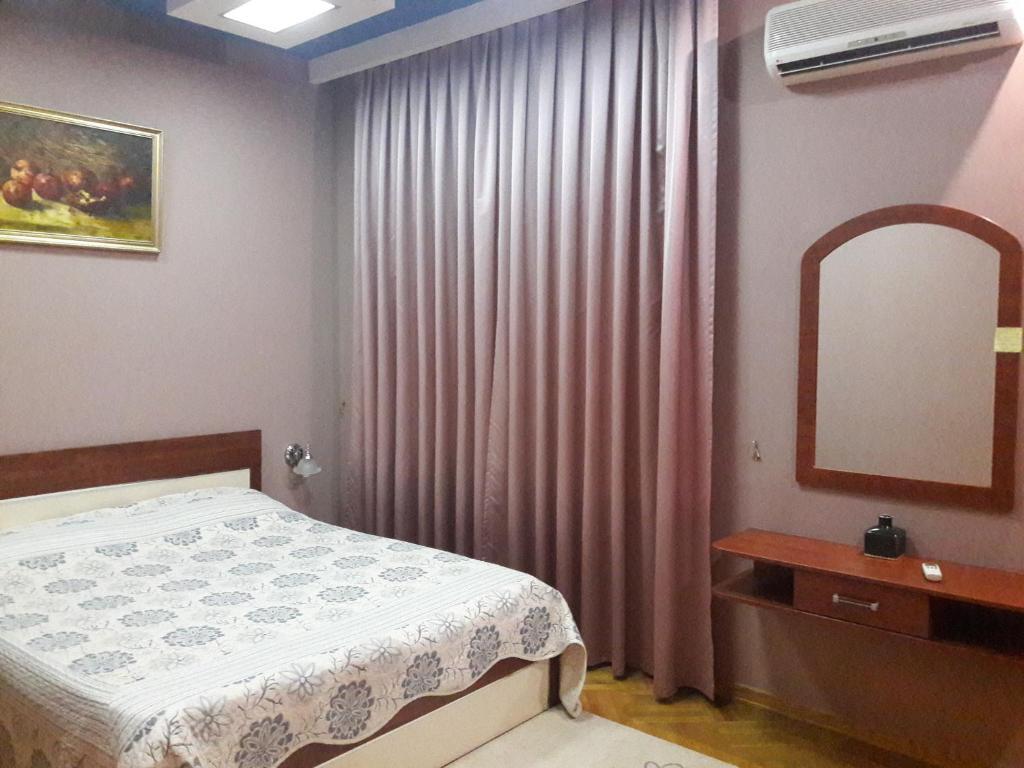 Cama ou camas em um quarto em SAHIL 5 BULVAR MORE