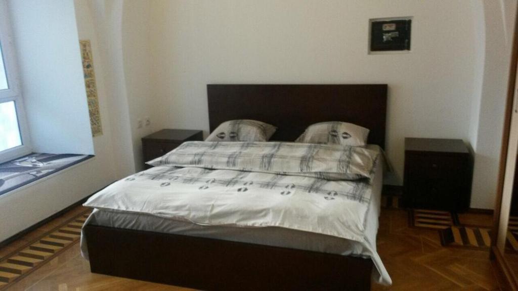 Cama ou camas em um quarto em For the family . 2 bedrooms. City center.