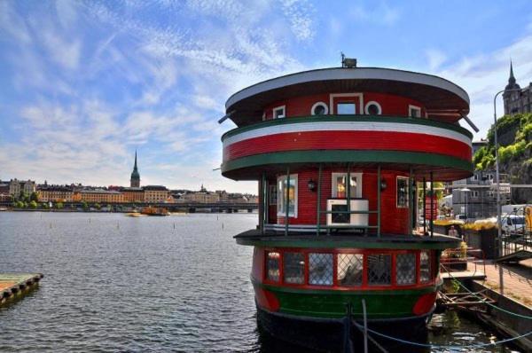 Bâtiment de le bateau-hôtel