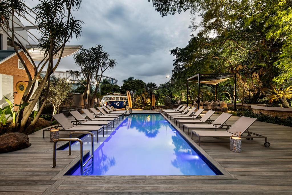 The swimming pool at or close to Protea Hotel Fire & Ice! by Marriott Durban Umhlanga Ridge
