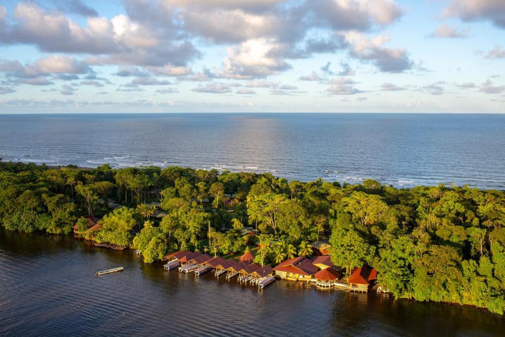 Laguna Lodge a vista de pájaro