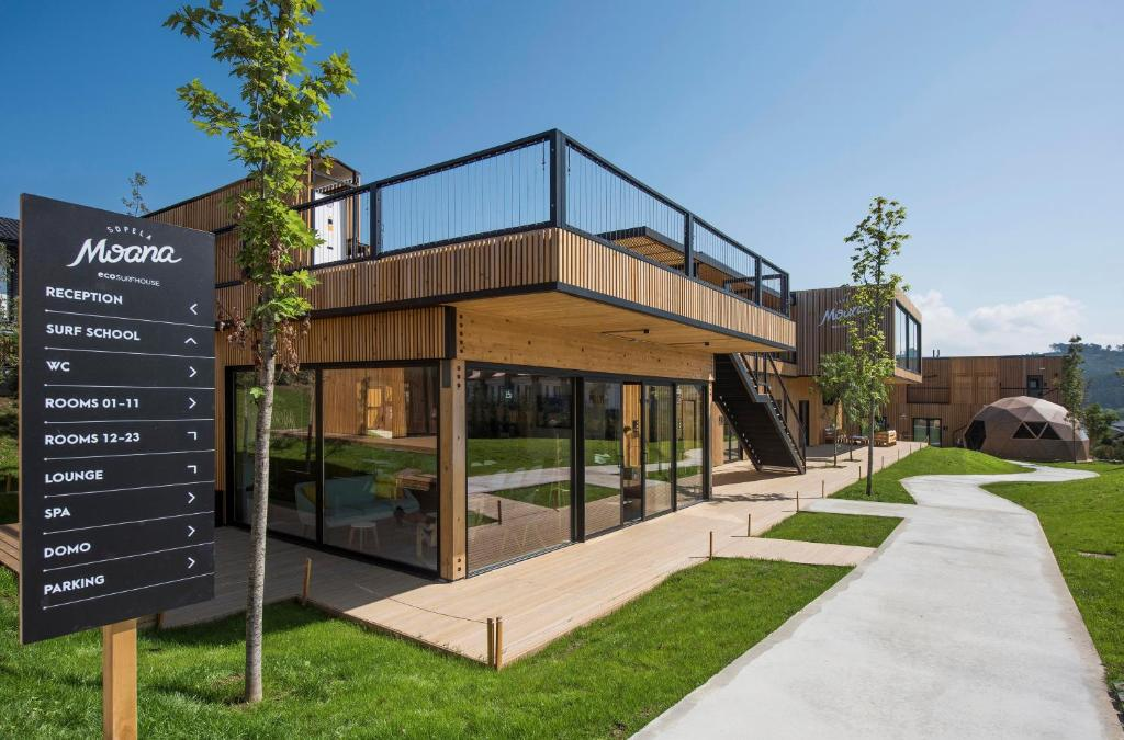 Moana Eco Surf House