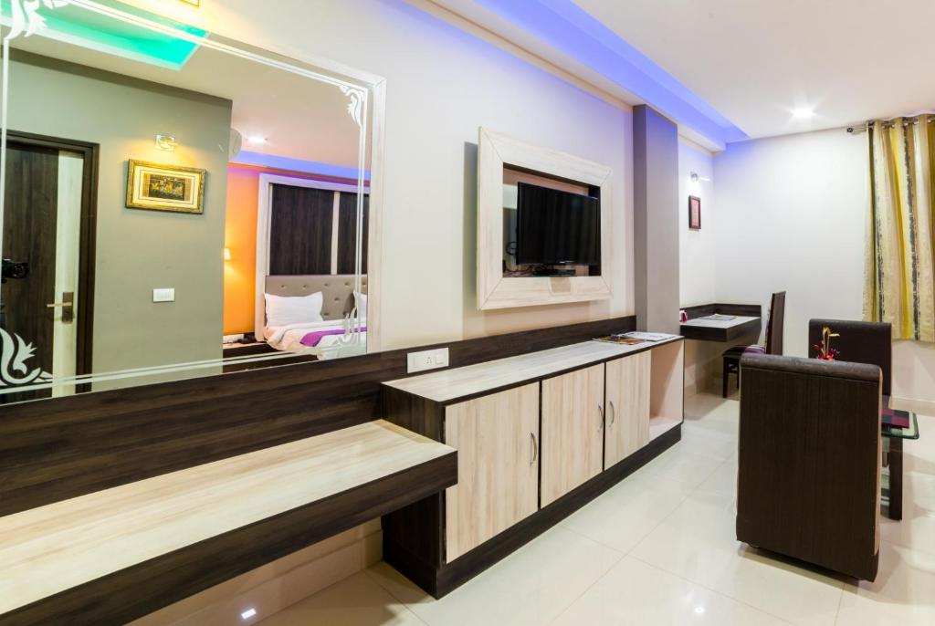 The lobby or reception area at Hotel Heeralal
