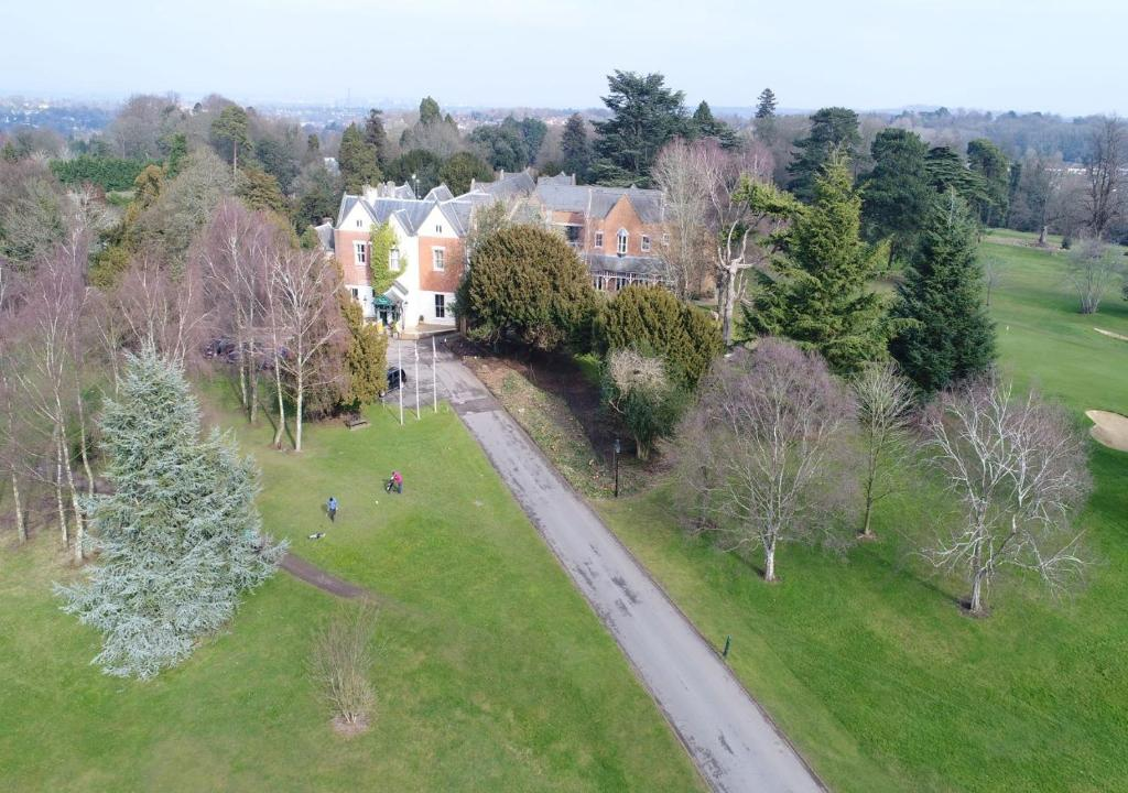 A bird's-eye view of Coulsdon Manor Hotel and Golf Club