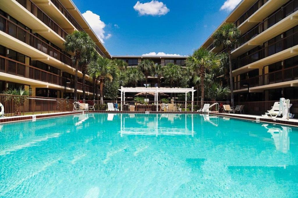 The swimming pool at or close to Banyan Hotel & MicroSuites