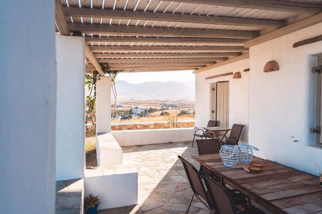 A balcony or terrace at Traditional Paros House