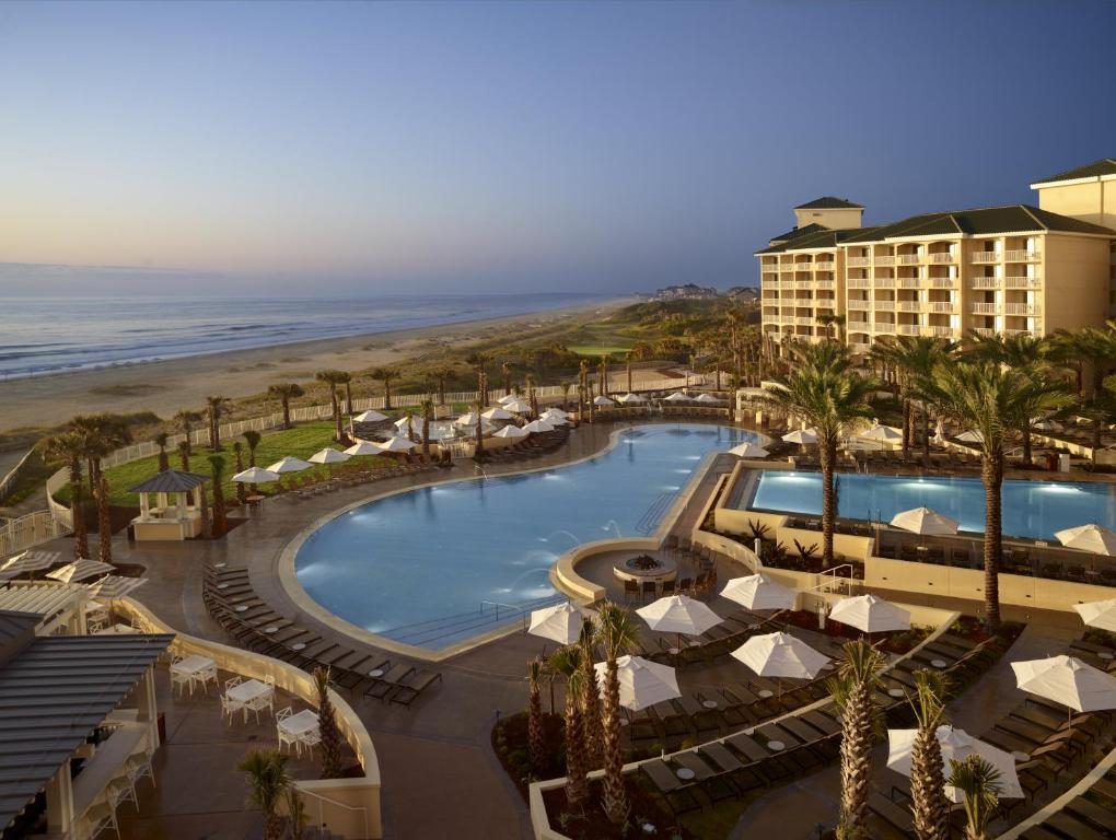 A view of the pool at Omni Amelia Island Resort or nearby