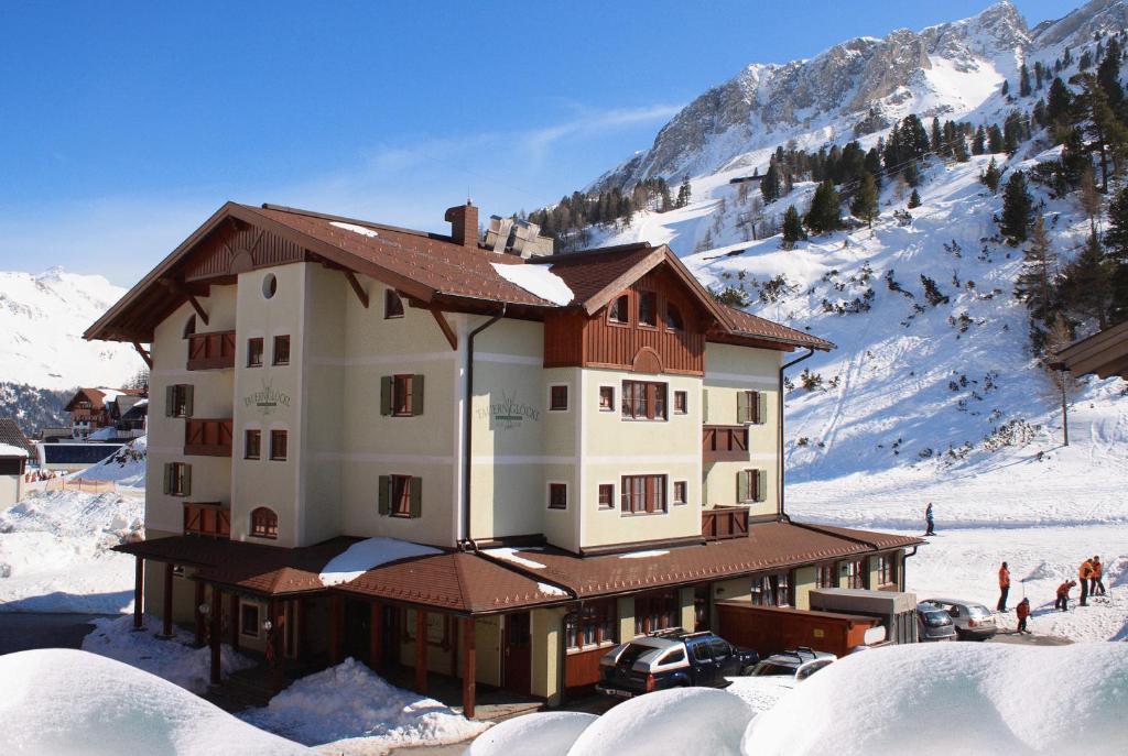 Hotel Tauernglöckl during the winter