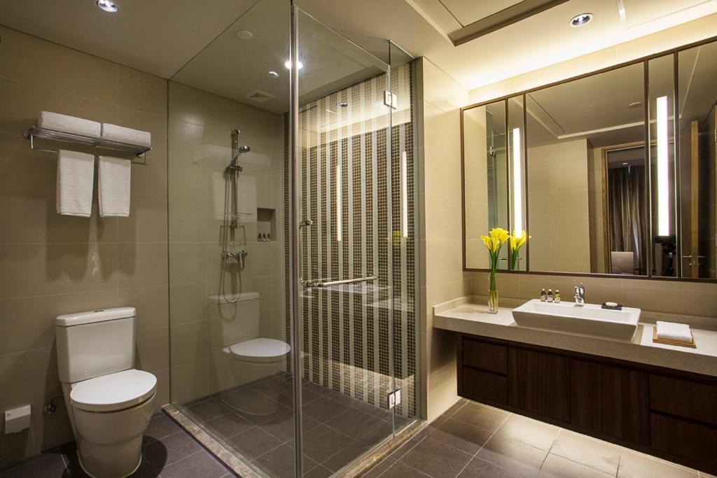 A bathroom at Somerset Wusheng Wuhan