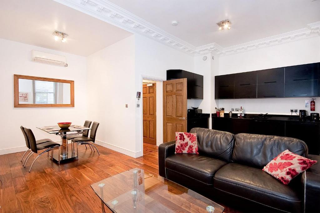 A seating area at Apartment 2, 48 Bishopsgate