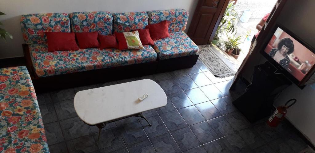 Uma área de estar em Casa Hostel Paraty