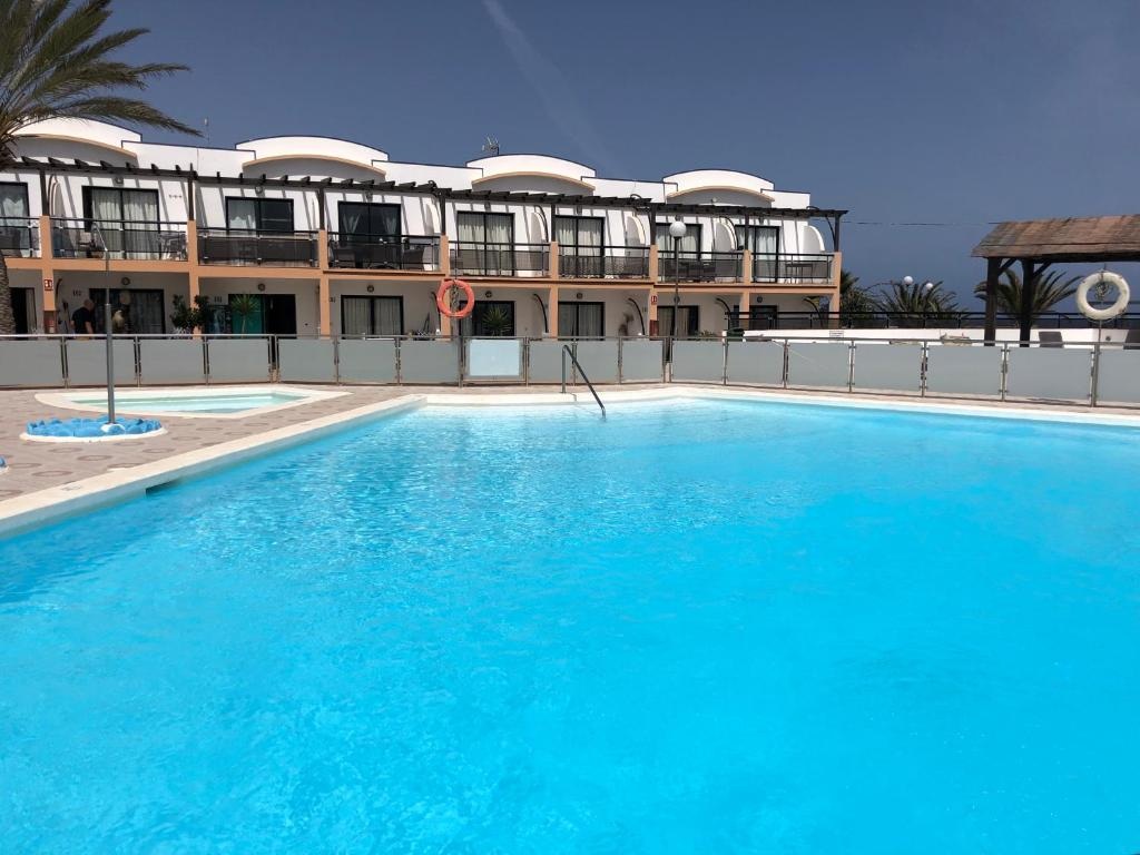 The swimming pool at or near Apartamento SUN Relax en Fuerteventura